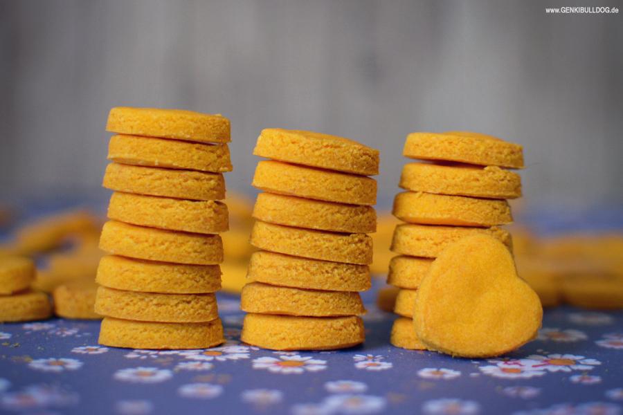Süßkartoffel Parmesan Kekse für Hunde