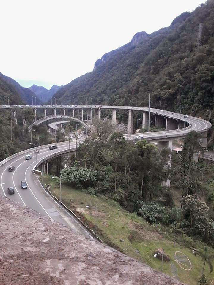 Jembatan Layang Kelok 9 Tempat Rekreasi Mengasyikan Medianers