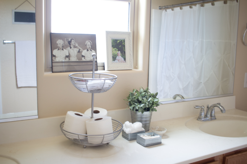 Living in color a life style blog home minimalist for Bathroom decor hacks