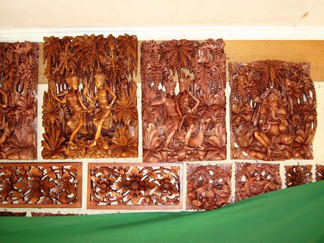 Изображение сувениров из дерева