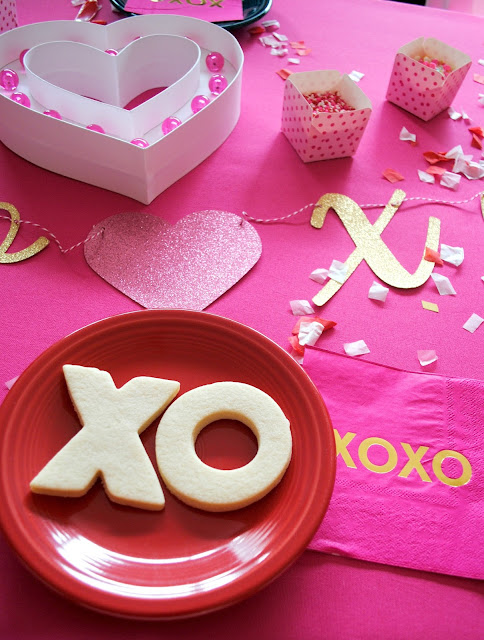 Galentine's Cookie Decorating Party- for more inspiration head to www.fizzyparty.com