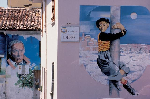 Pinturas nos muros do Borgo San Giuliano