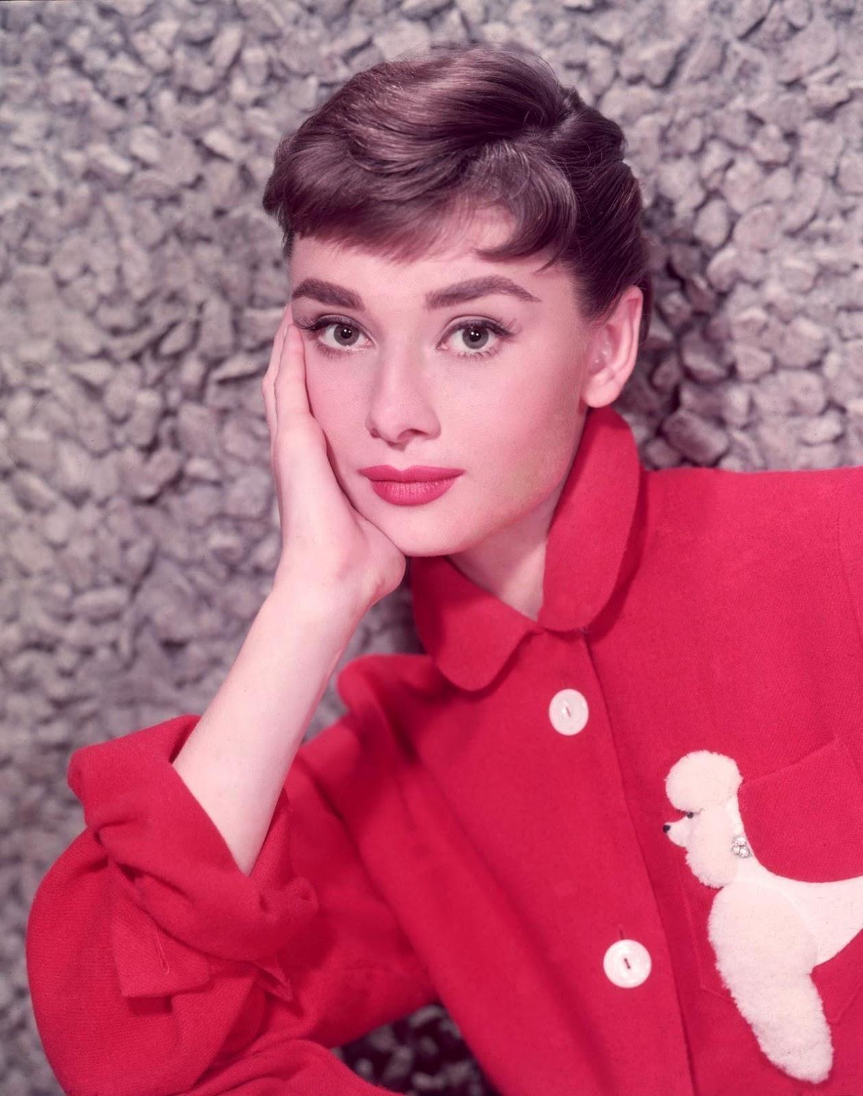 Audrey Hepburn col claudine