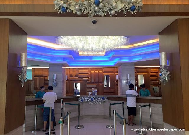 checking-in at Remington Hotel