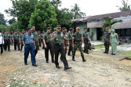 Panglima TNI Tinjau Perumahan Prajurit TNI di Medan