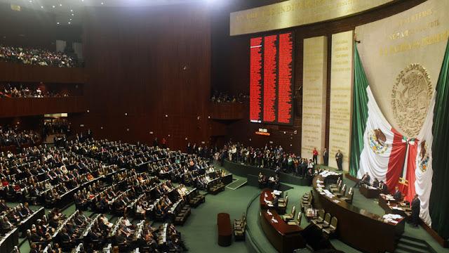 Diputada recibe noticia del asesinato de su hija durante sesión parlamentaria en México