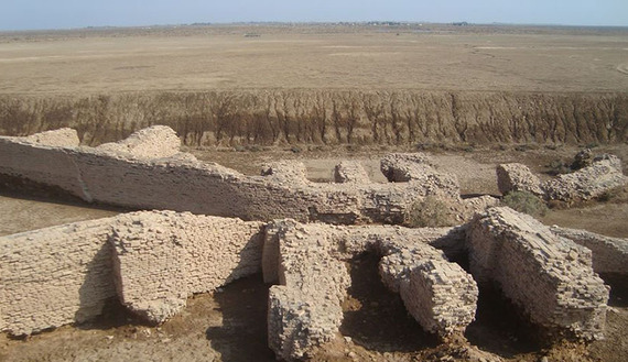 Sumerian city of Lagash slowly emerging from desert sands