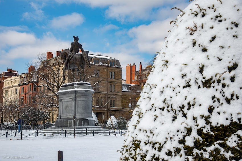 Boston, Massachusetts February 2019 photo by Corey Templeton. A few photos around the Boston Public Garden after a dusting of snow last week.