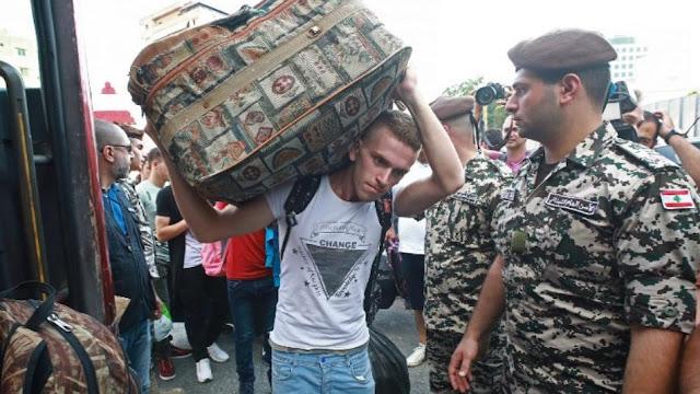 فايننشال تايمز: لهذه الأسباب يرفض السوريون العودة إلى وطنهم