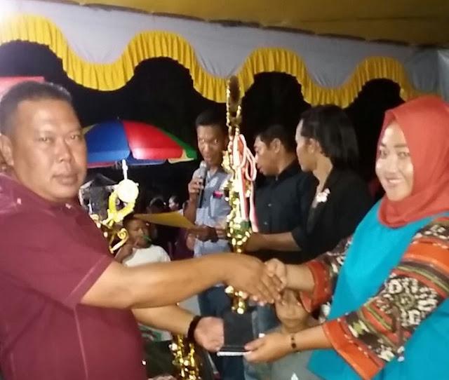 Risma Juara 1 Lomba Karoke Dangdut Antar Dusun RT/RW Kapuas