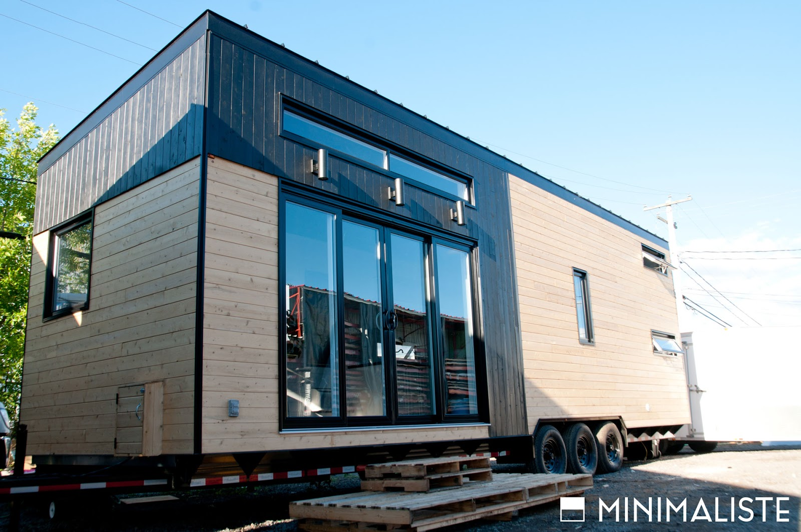 Tiny house town minimaliste 39 s le ch ne tiny house for Minimaliste houses