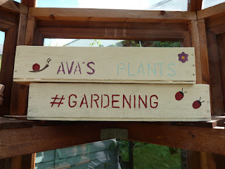 Creating Personalised Garden Trays