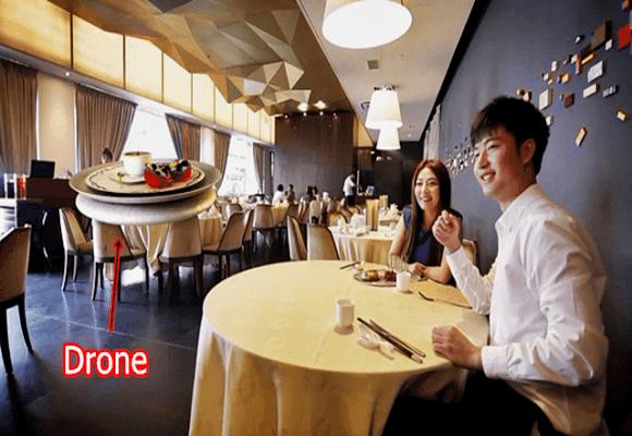 Drone-servindo-restaurante