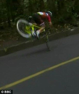 Video: Moment cyclist who was leading race fell down some distance to finish line