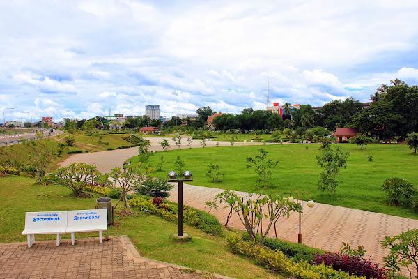Chao Anouvong Park - Vientiane - Laos