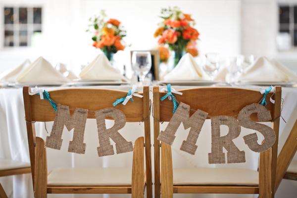 ya sentados como mr mrs a todo confetti blog de bodas y fiestas llenas de confetti. Black Bedroom Furniture Sets. Home Design Ideas