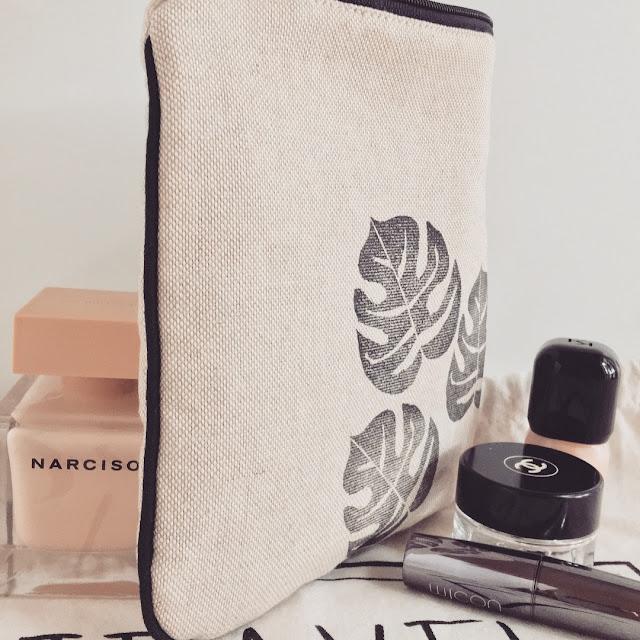 Pochette portatrucchi cucita e stampata a mano