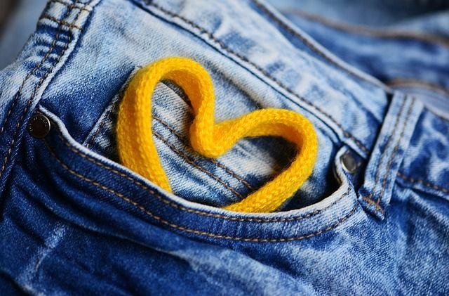 Artistas comparten sus tips para darle un nuevo estilo a tus jeans