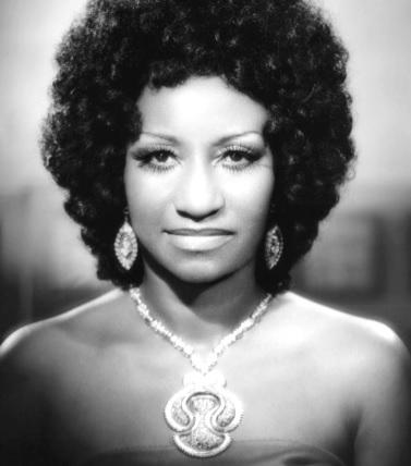 Foto de Celia Cruz con cabello negro
