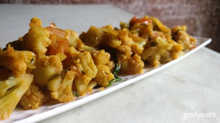Cauliflower masala - 75 Indian Keto diet options