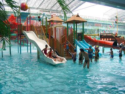 Peluang Bisnis Waterpark atau Taman Bermain Air