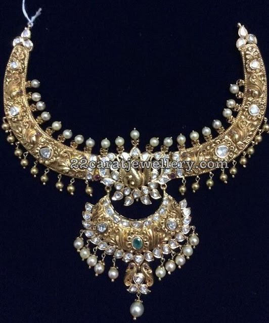 Trendy Nakshi Kante with Pachi Pendant