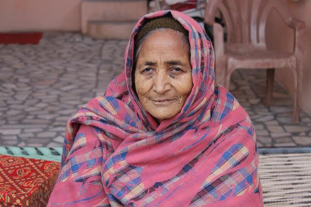 Apa makanan yang baik dan sihat untuk orang yang dah tua?