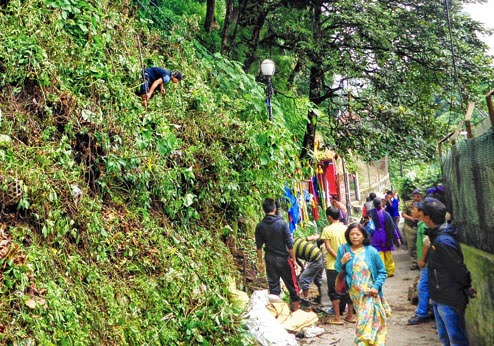 Darjeeling DM asked to stop hawker market work at Chowrasta