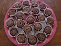 http://sweetyummygoodies.blogspot.com/2016/04/easy-chocolate-cupcakes.html