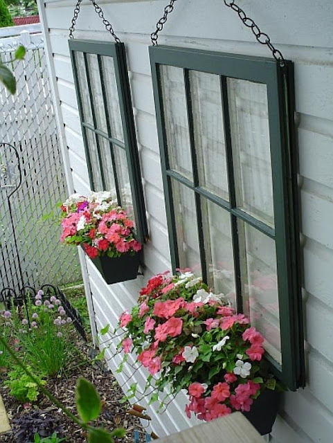 DIY Window Planter Pots #planter #outdoorplanter #planterboxes #outdoor @SimplyDesigning