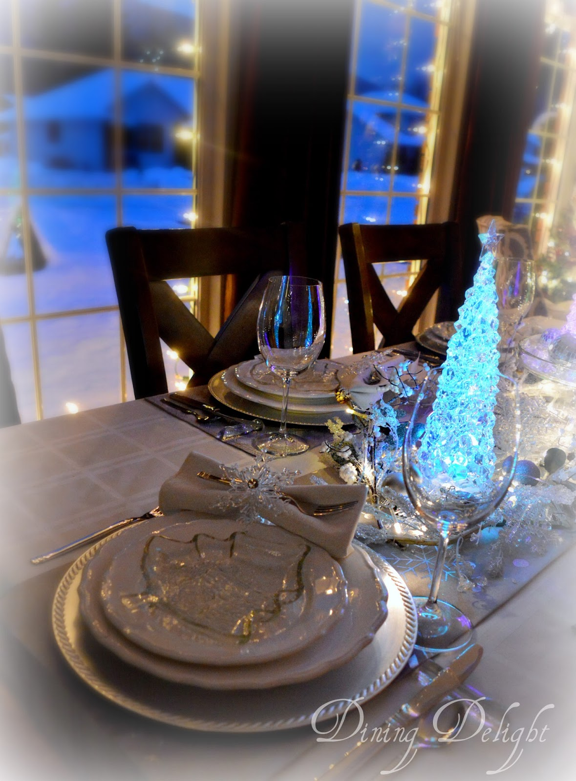 Dining Delight: Frost & Ice Christmas Tablescape