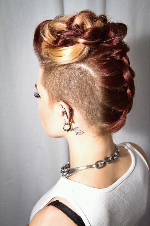 French braid mohawk: