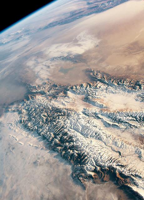Сніги і піски Центральної Азії