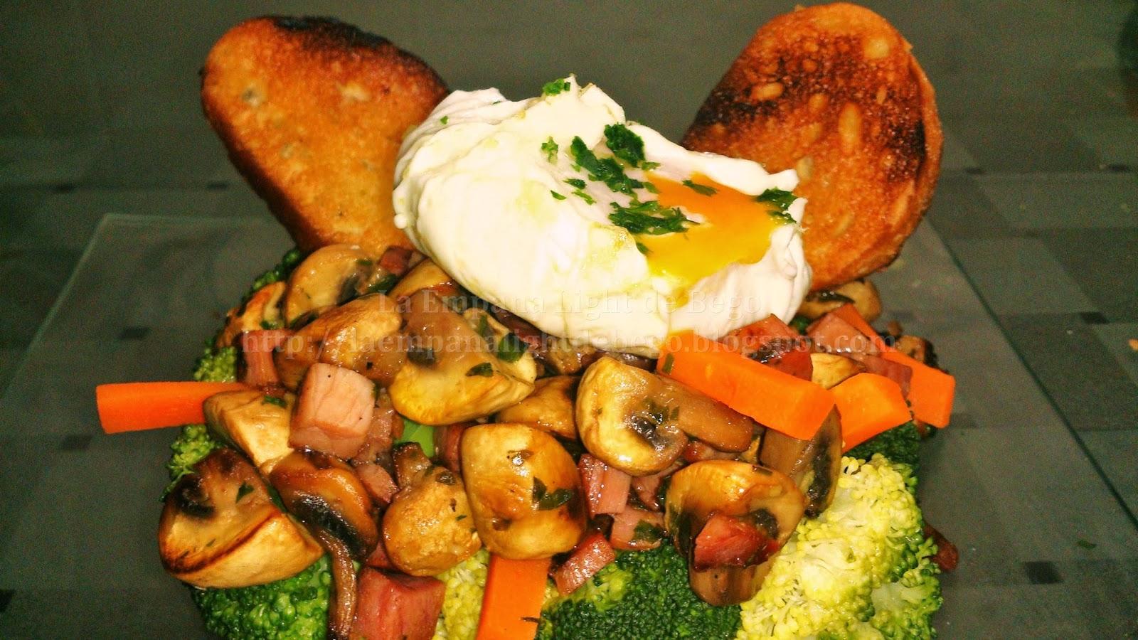 Receta-de-timbal-de-brocoli-con-salteado-de-jamón-y-huevo