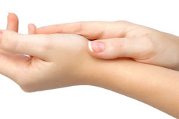 Malu Berjabatan Tangan Saat Lebaran Karena Telapak Tangan Kasar ? Inilah Caranya