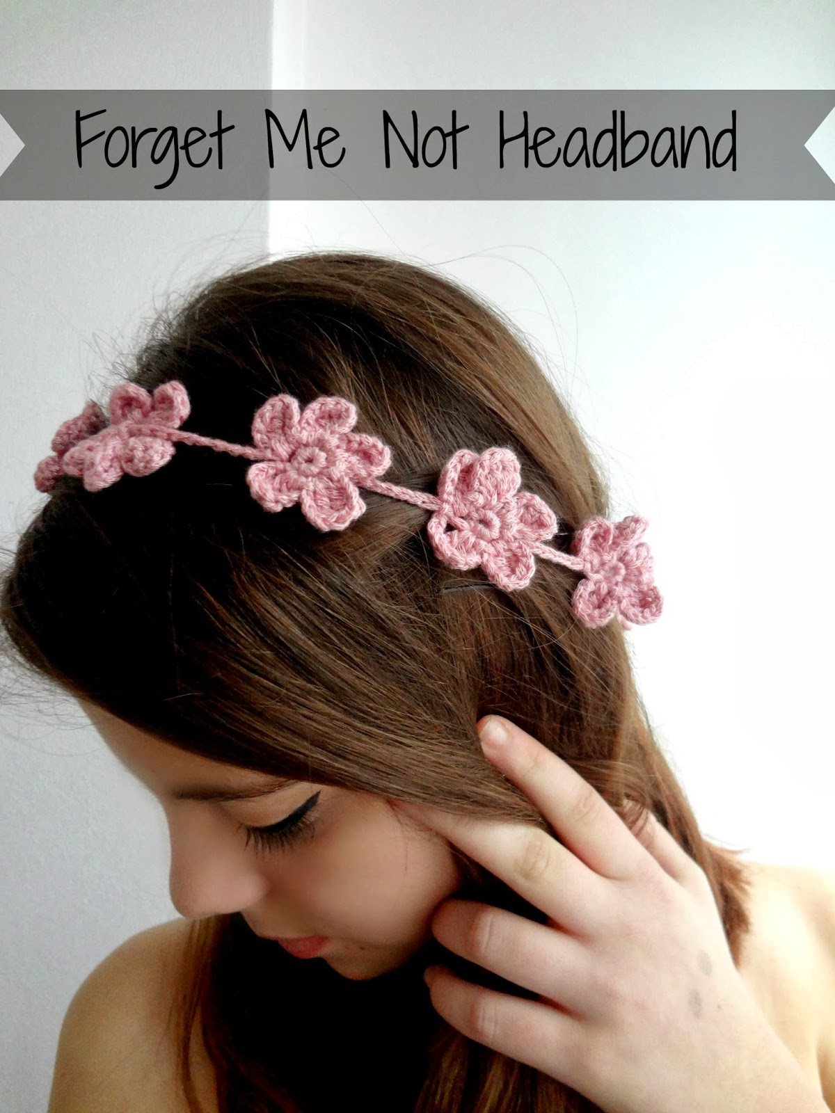 Crochet Headband With Flower Pattern Tutorial : Little Treasures: Forget Me Not Headband - free tutorial