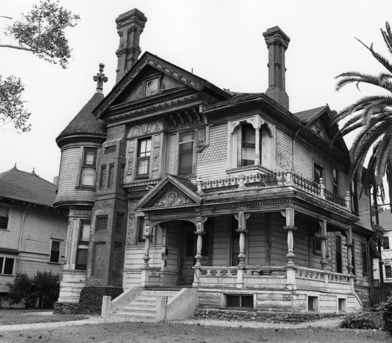 L A Houses: Ghost Hunters Of Urban Los Angeles