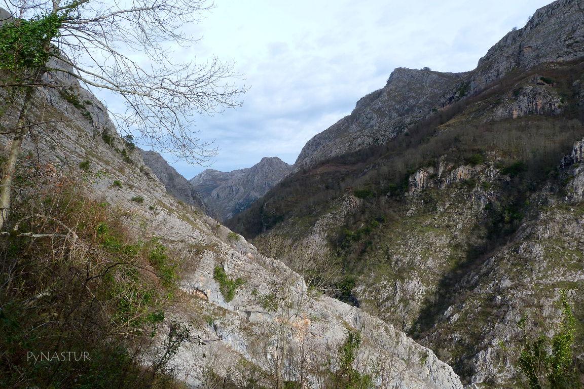 Senda del Cartero - Desfiladero de Los Beyos- Asturias