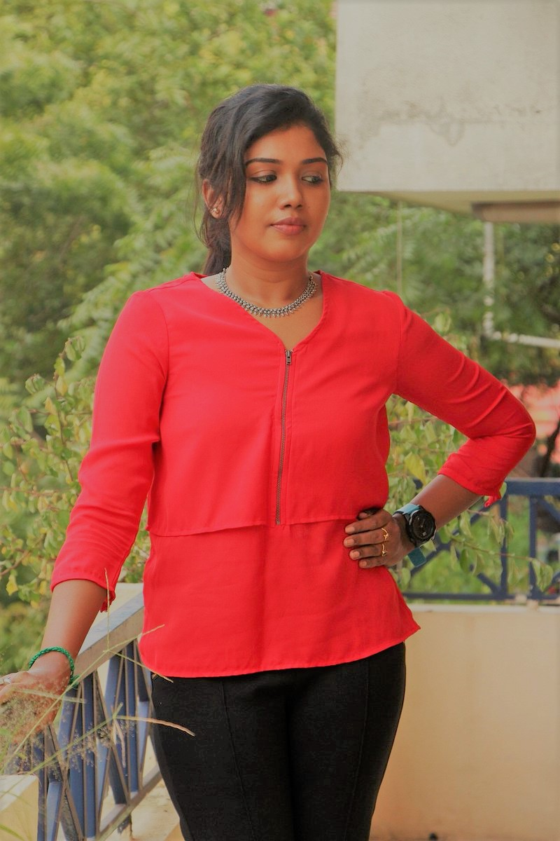 Actress Riythvika Latest HD Images