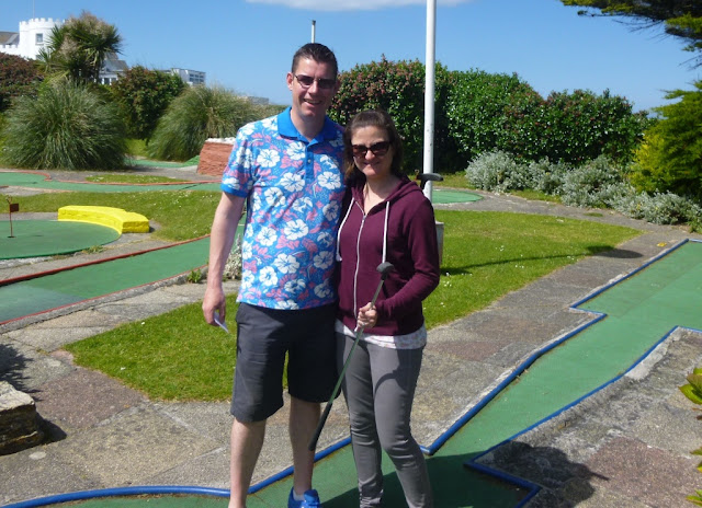 Minigolf Explorers Richard and Emily Gottfried at Gilmores Golf in Newquay, part-way through their mammoth road-trip around the South West coast of England