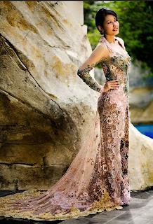 Model Kebaya Modern Anne Avantie Terbaru