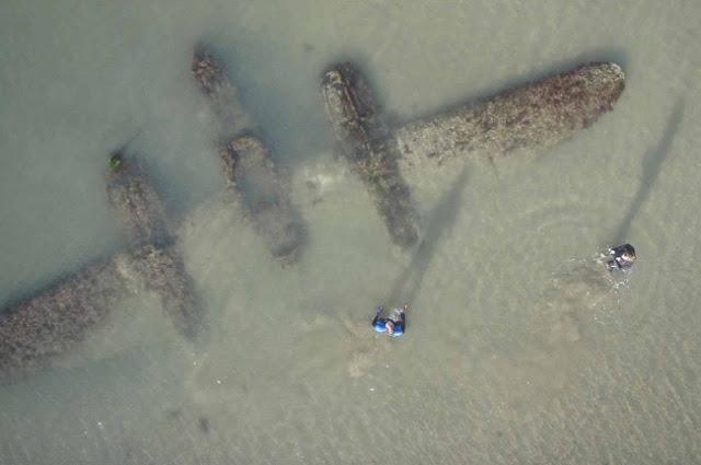 P-38 na praia de Gales