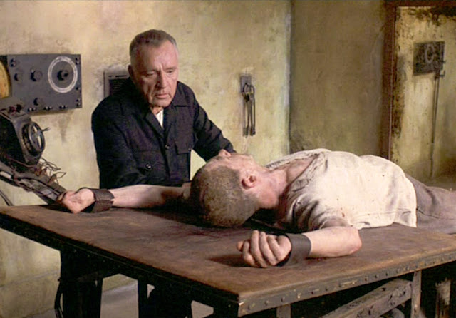 Richard Burton en O'Brien face à Winston (le regretté John  Hurt) dans le 1984 de Michael Radford, justement sorti en 1984