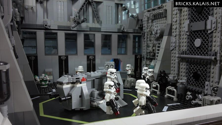 7. A tu miła ciekawostka powiązana z filmowym hangarem. Tym zdjęciem wygrałem główną nagrodę w oficjalnym konkursie LEGO Polska na kreatywne zdjęcie zestawu Star Wars.