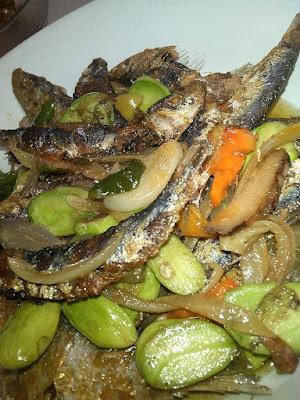 Resep Tumis Ikan Asin Pete Lombok Ijo Paling Enak bumbu tumis ikan asin peda cabai ijo pedas resep tumis ikan asin pete sederhana mudah resep tumis ikan asin peda pete enak pedas