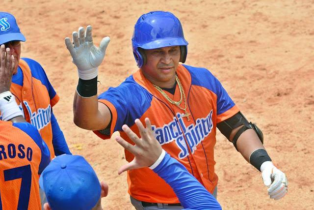 El cuadrangular de Cepeda llegó en la parte baja del quinto inning, con dos corredores en bases