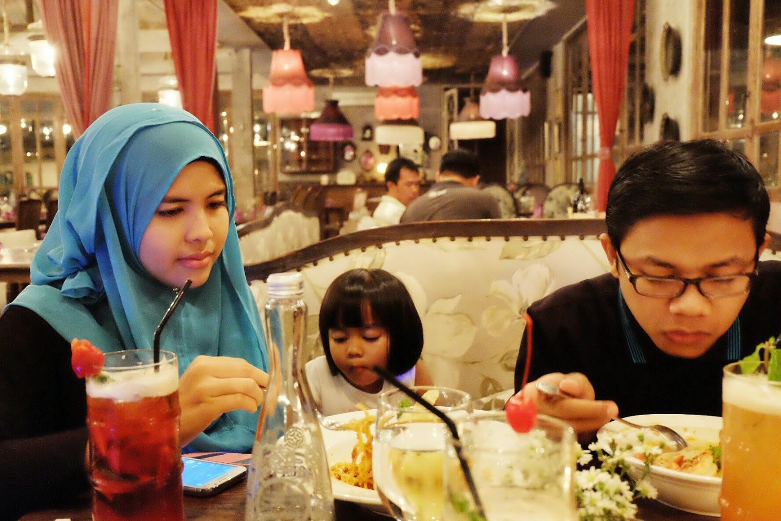 makan bareng keluarga di bistronomi jakarta