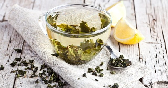 Ingin punya kulit cerah bersinar? Minum 5 teh herbal ini..