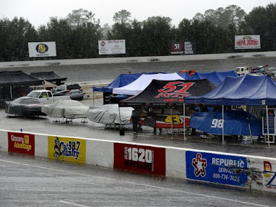 Rain Delays the Start of the Snowball Derby
