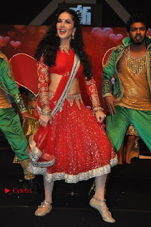 Bollywood Actress Model Sunny Leone Dance Performance in Red Half Saree at Rogue Audio Launch 13 March 2017  0071.jpg